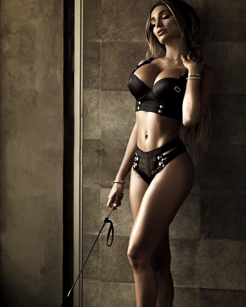 40-Lyna-Perez-in-Sexy-Lingerie-Photos-22.jpg