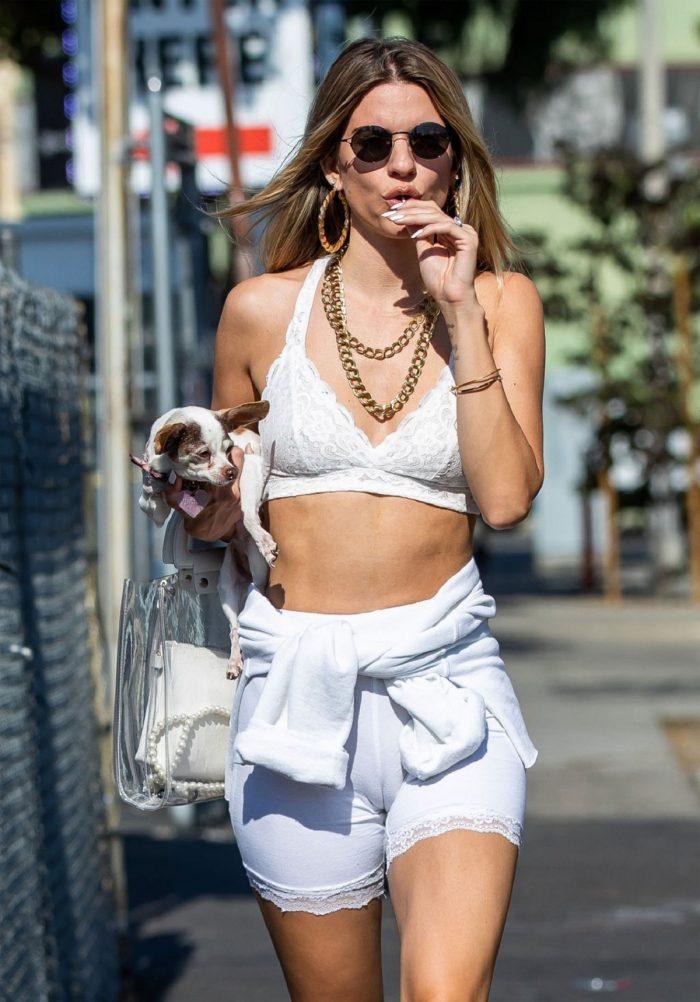 Rachel-McCord-Cameltoe-in-White-Shorts-3.jpg