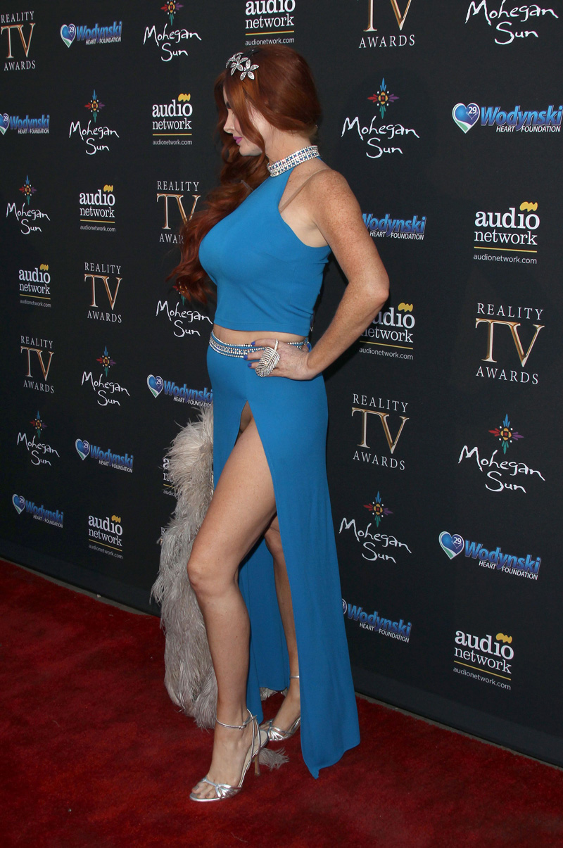 Phoebe Price Pantyless Pussy Flash at the Reality Awards