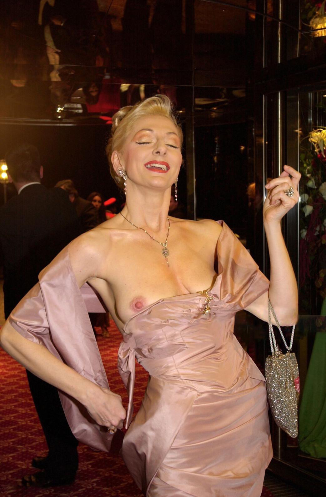 Desiree-Nick-Boob-Slip-at-unesco-benefiz-gala-2001-1.jpg