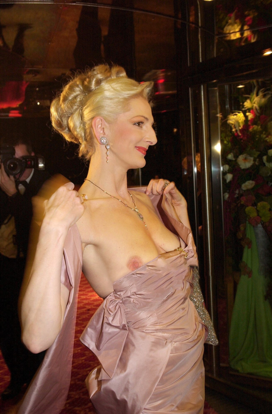 Desiree-Nick-Boob-Slip-at-unesco-benefiz-gala-2001-2.jpg