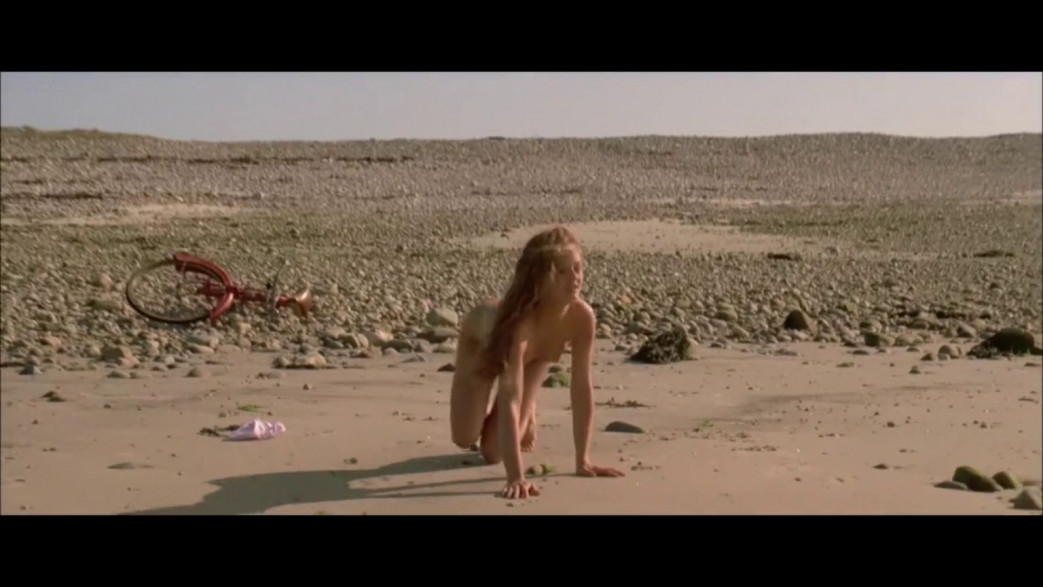 Vanessa-Paradis-Nude-Screencaps-from-Elisa-12.jpg