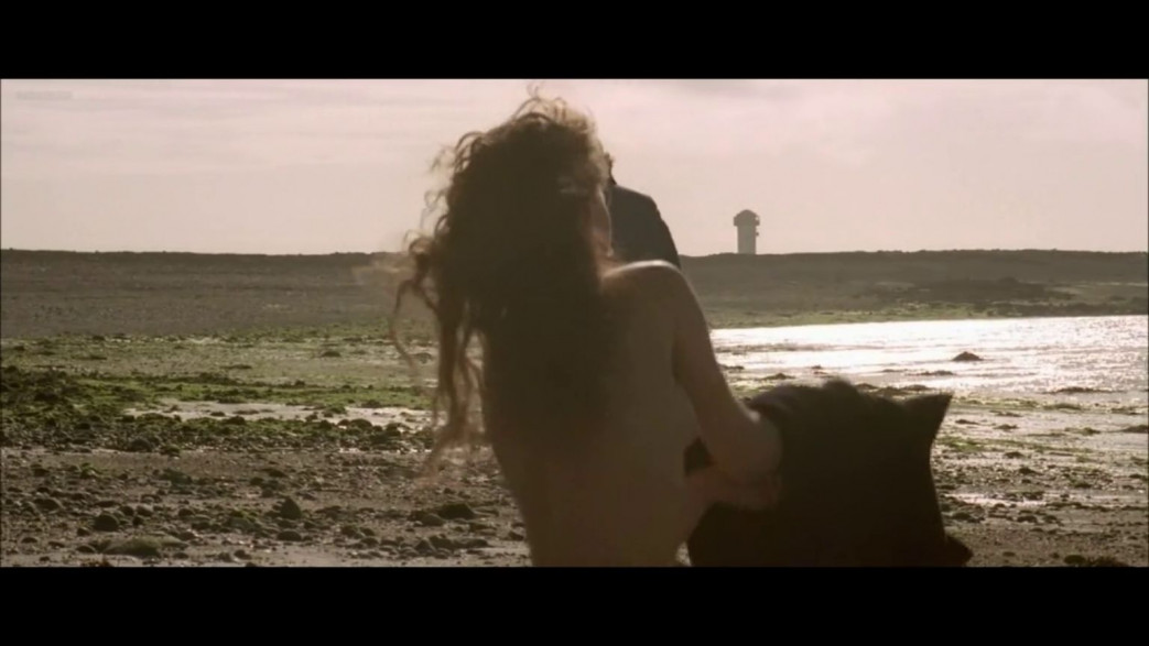 Vanessa-Paradis-Nude-Screencaps-from-Elisa-18.jpg
