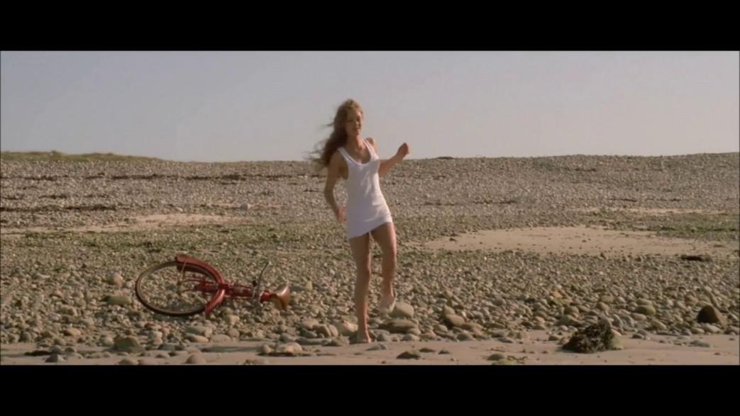 Vanessa-Paradis-Nude-Screencaps-from-Elisa-6.jpg
