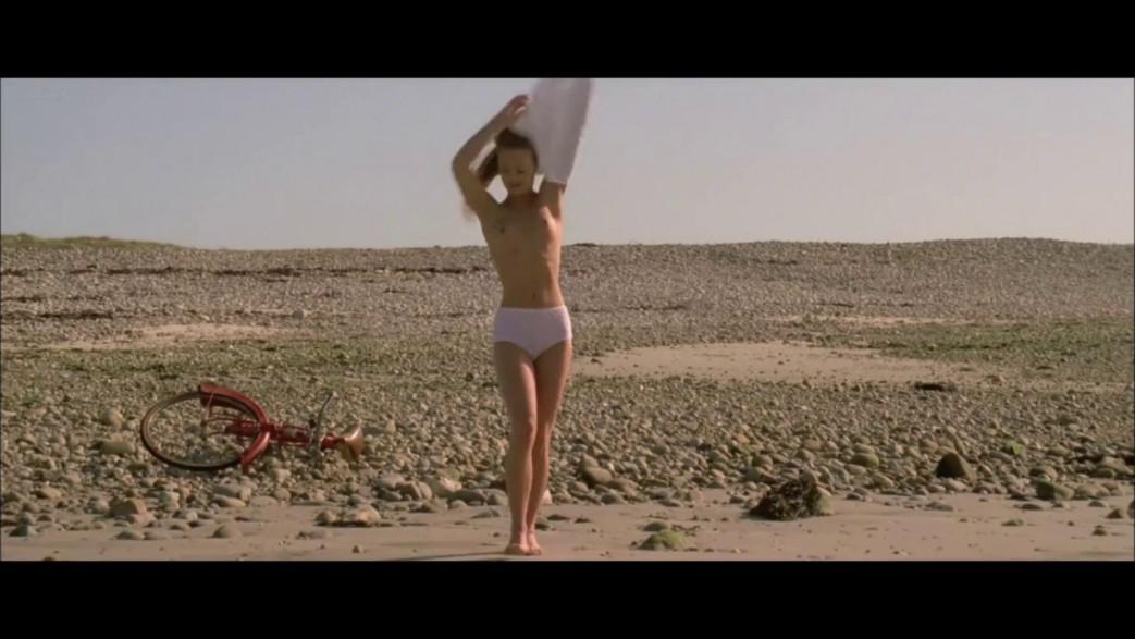 Vanessa-Paradis-Nude-Screencaps-from-Elisa-8.jpg