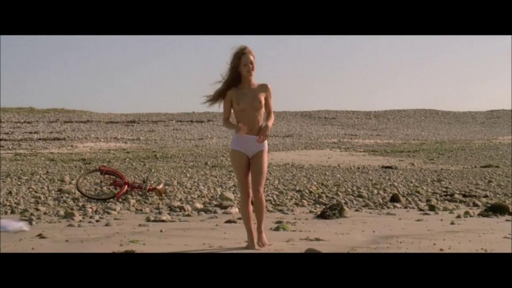 Vanessa-Paradis-Nude-Screencaps-from-Elisa-9.jpg