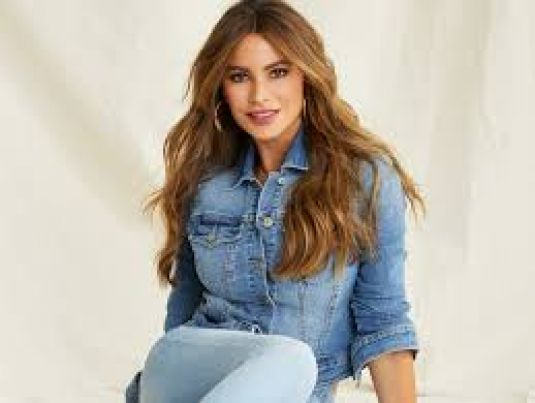 Sofia-Vergara-Stunning-for-Walmart-Jeans-2020-3.jpg
