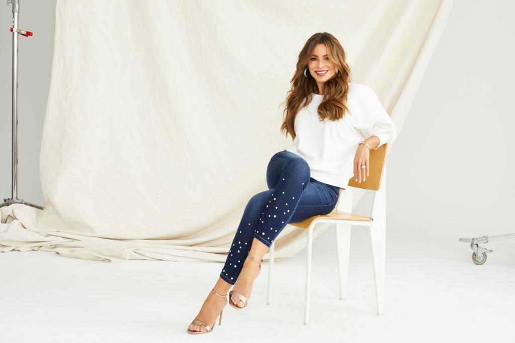 Sofia-Vergara-Stunning-for-Walmart-Jeans-2020-5.jpg