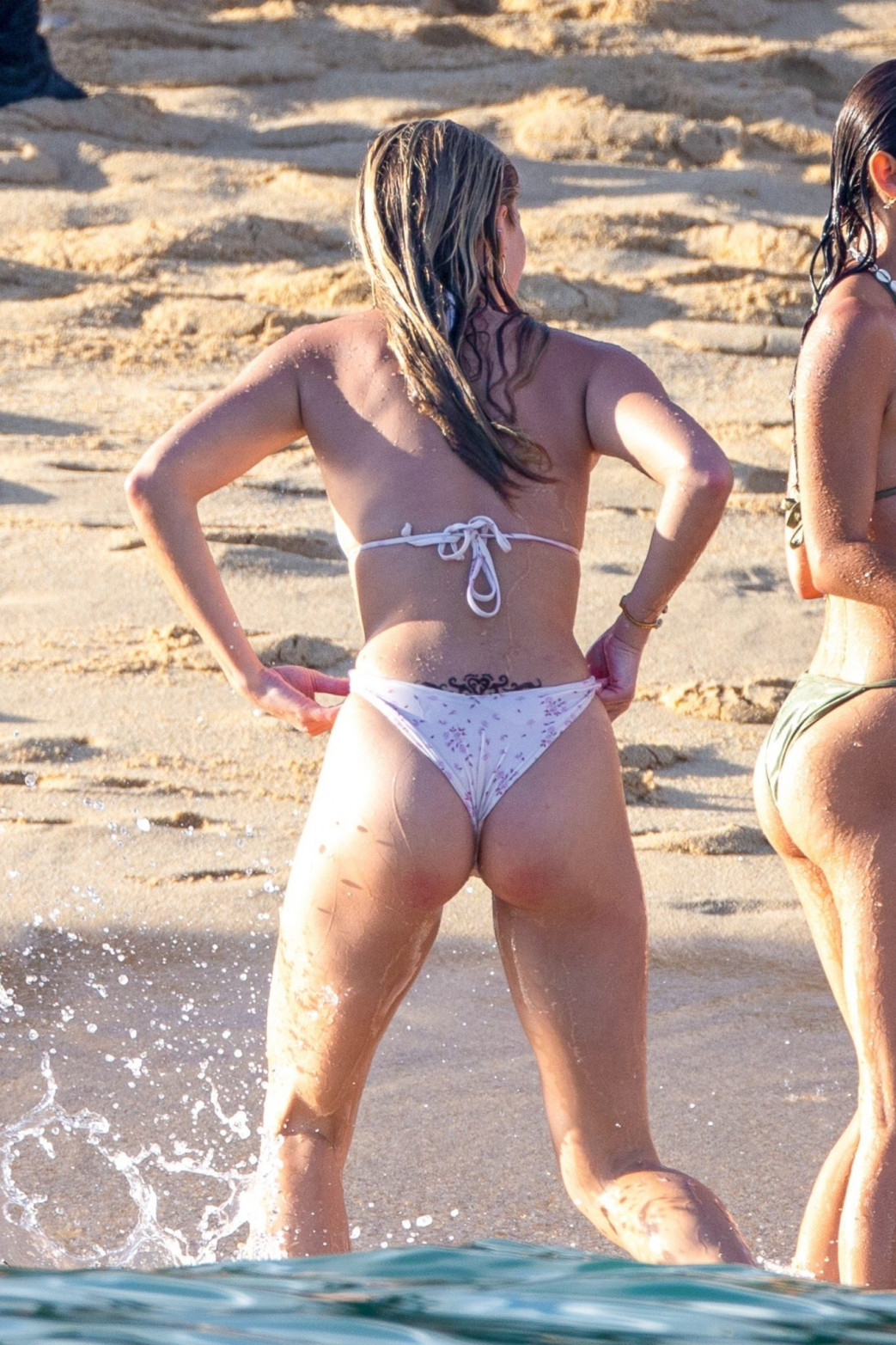 Josie Canseco Bikini Wedgie on the Beach with Friends in Cabo San Lucas (11)
