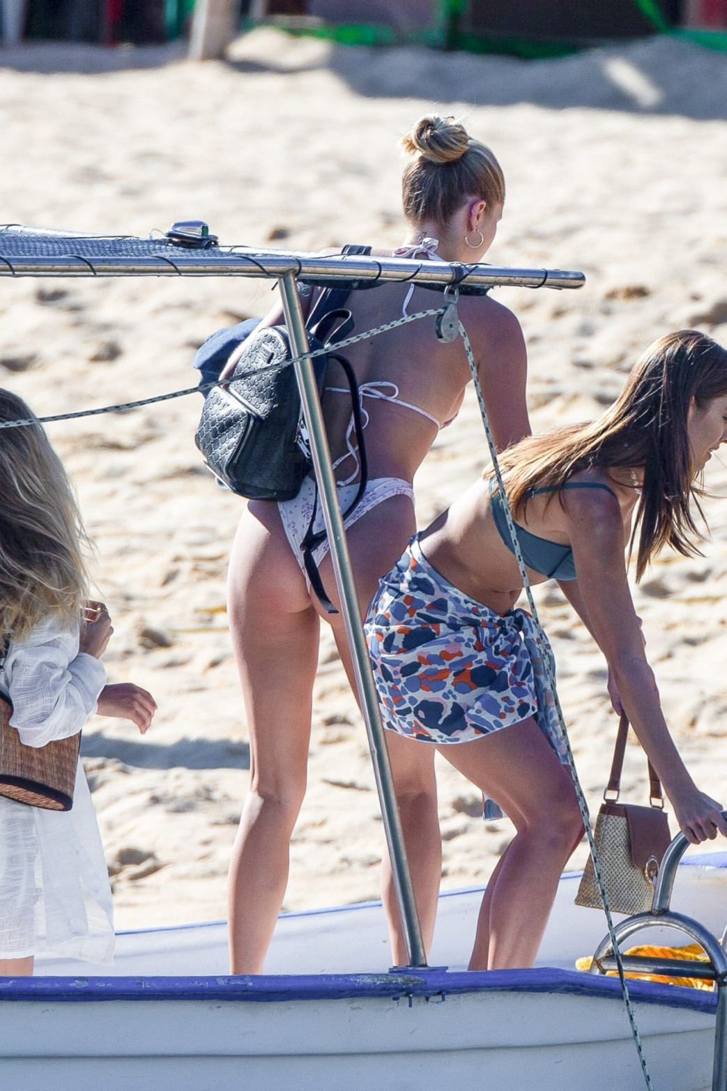 Josie Canseco Bikini Wedgie on the Beach with Friends in Cabo San Lucas (12)