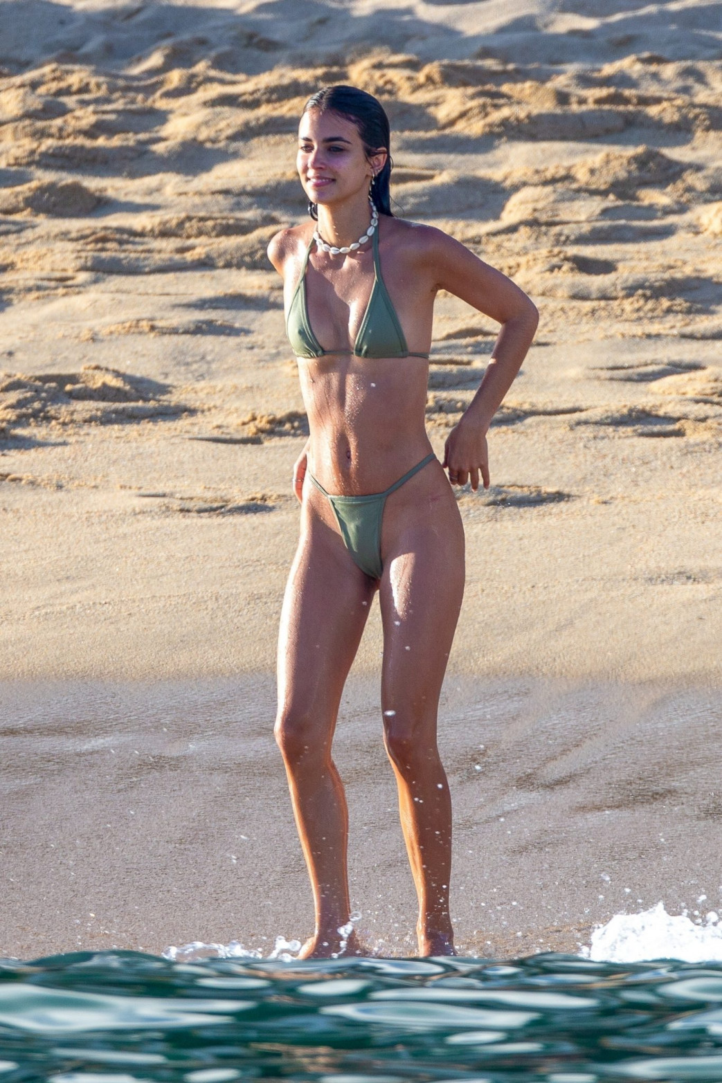 Josie Canseco Bikini Wedgie on the Beach with Friends in Cabo San Lucas (6)
