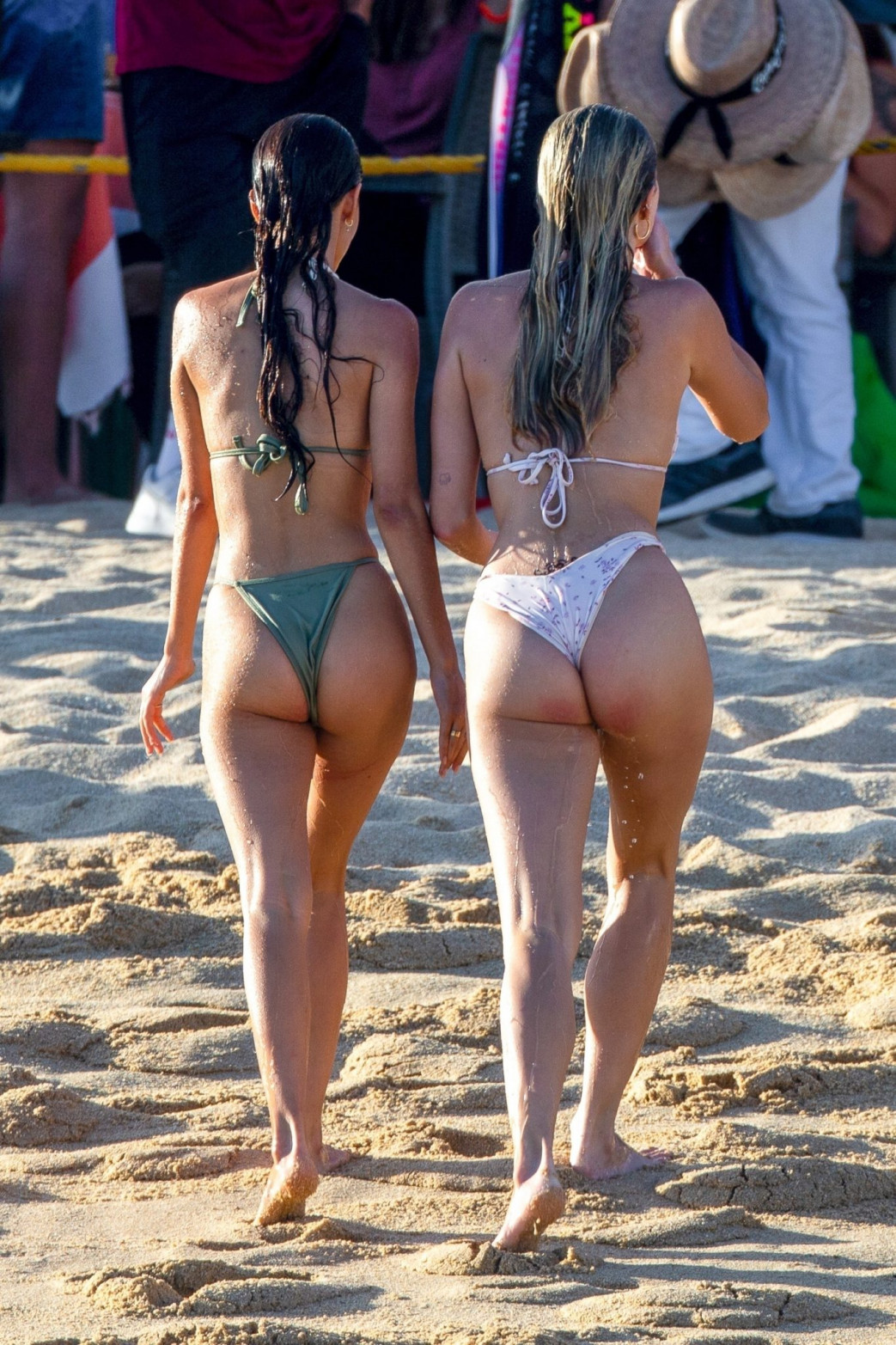 Josie-Canseco-Bikini-Wedgie-on-the-Beach-with-Friends-in-Cabo-San-Lucas-8.jpg