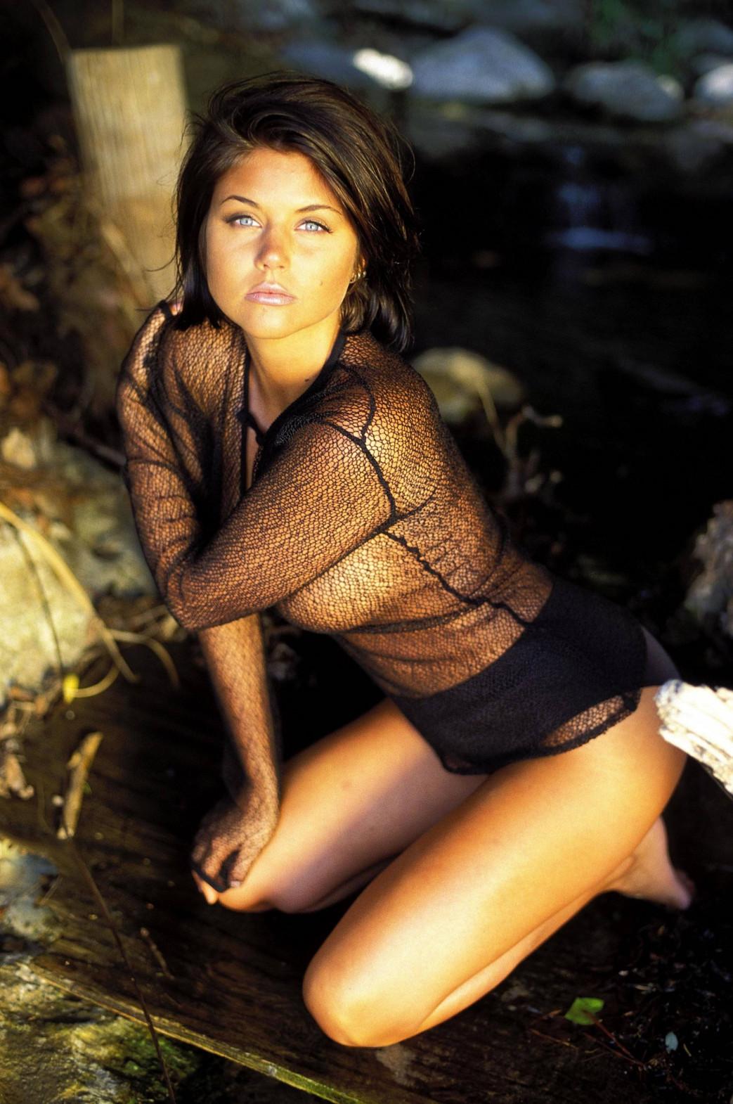 Tiffani Amber Thiessen nude (4)