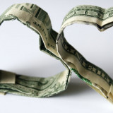 13-125517-the_average_american_spends_121_082_40_on_dating