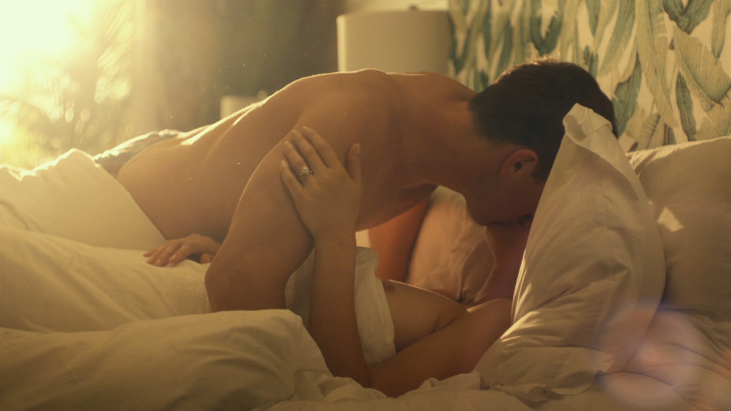 Alexandra Daddario nude in white lotus (6)