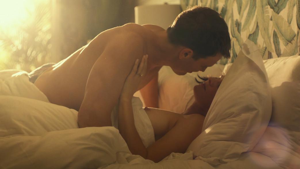 Alexandra-Daddario-nude-in-white-lotus-7.jpg